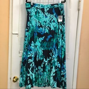 Catherine's pleated floral print skirt size 3X NEW